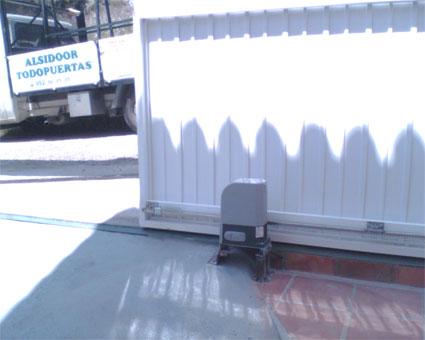Motor cremallera puerta corredera materiales de - Motores electricos para puertas correderas ...